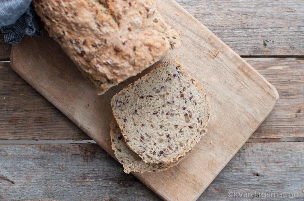 Eltefritt linfrø brød