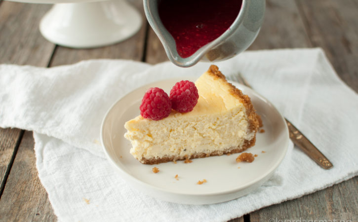 bakt ostekake med bringebær