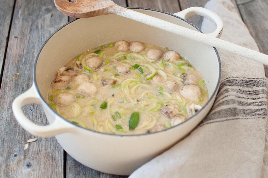 asiatisk grønsaksuppe