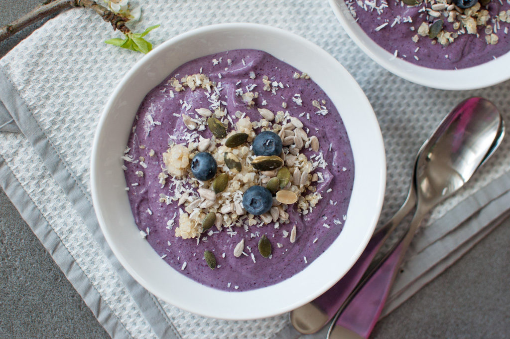 smoothie-bowl med quinoa