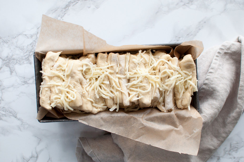 pull apart ostebrød
