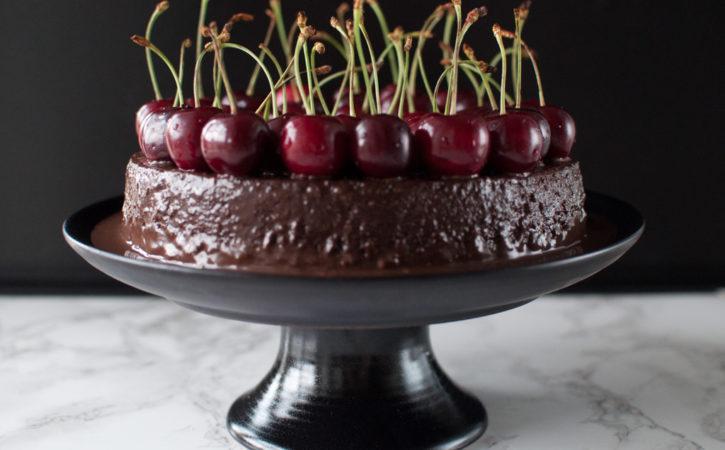 enkel sjokoladekake med moreller