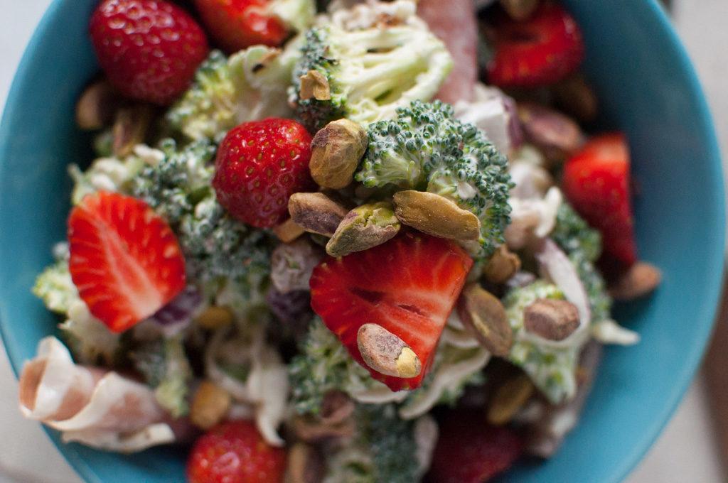 brokkolisalat med spekeskinke