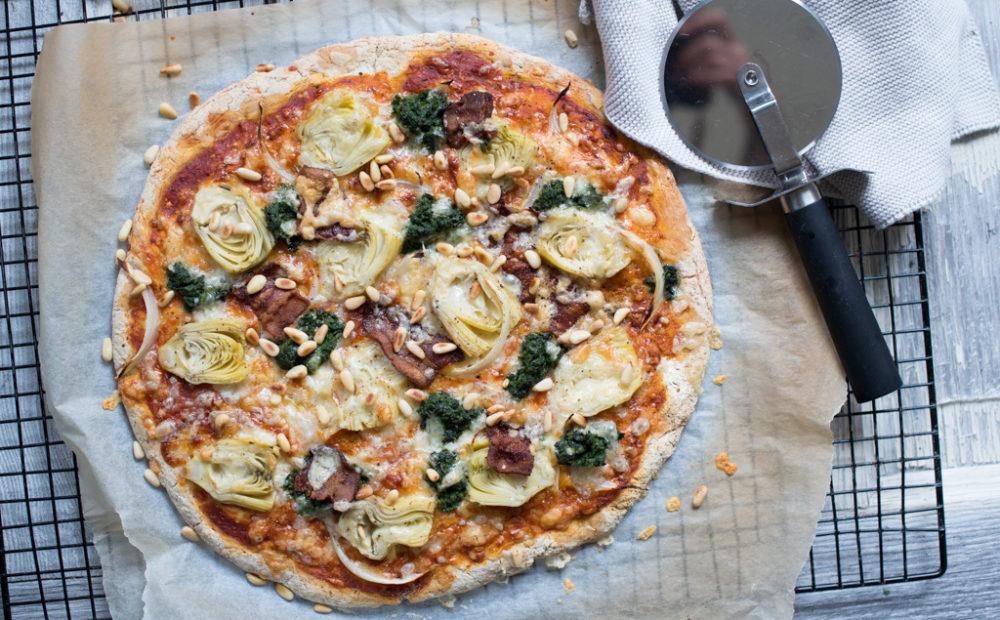 pizza med artisjokk og spinat