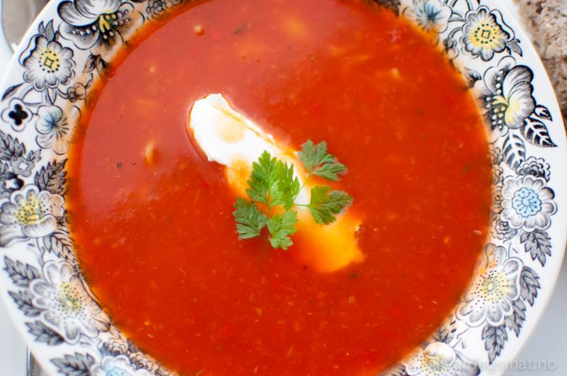 tomatsuppe oppskrift