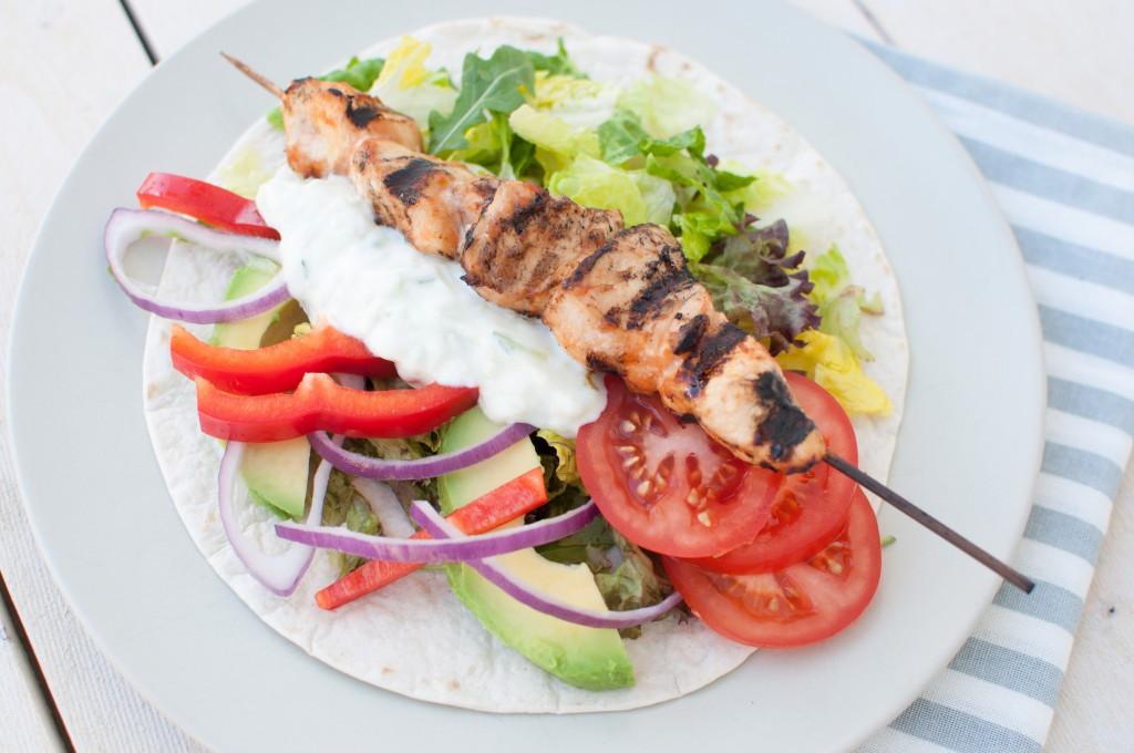 grilla kyllingspyd med tortilla