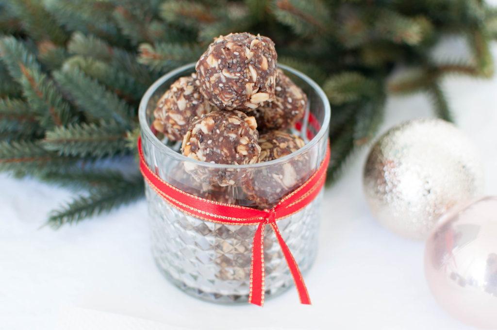 chia-sjokoladekuler med peanøttsmør