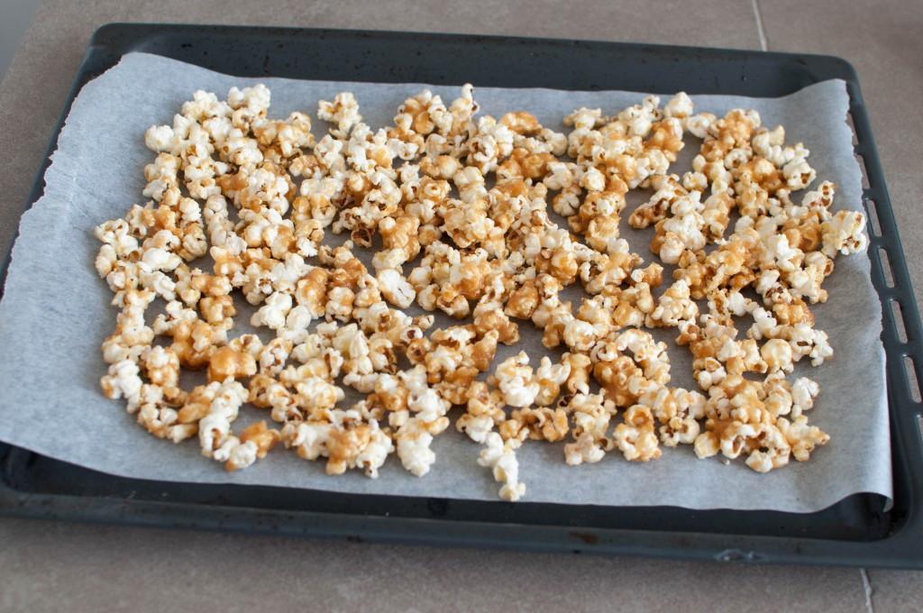 heimelaga karamell popcorn