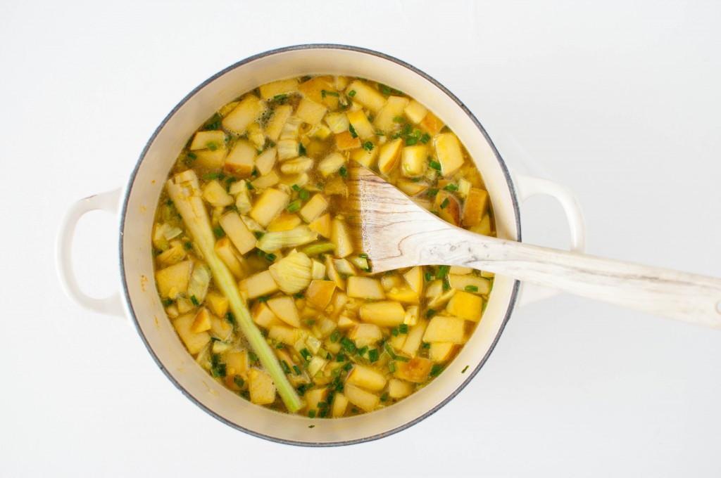 Kyllingsuppe med gurkemeie