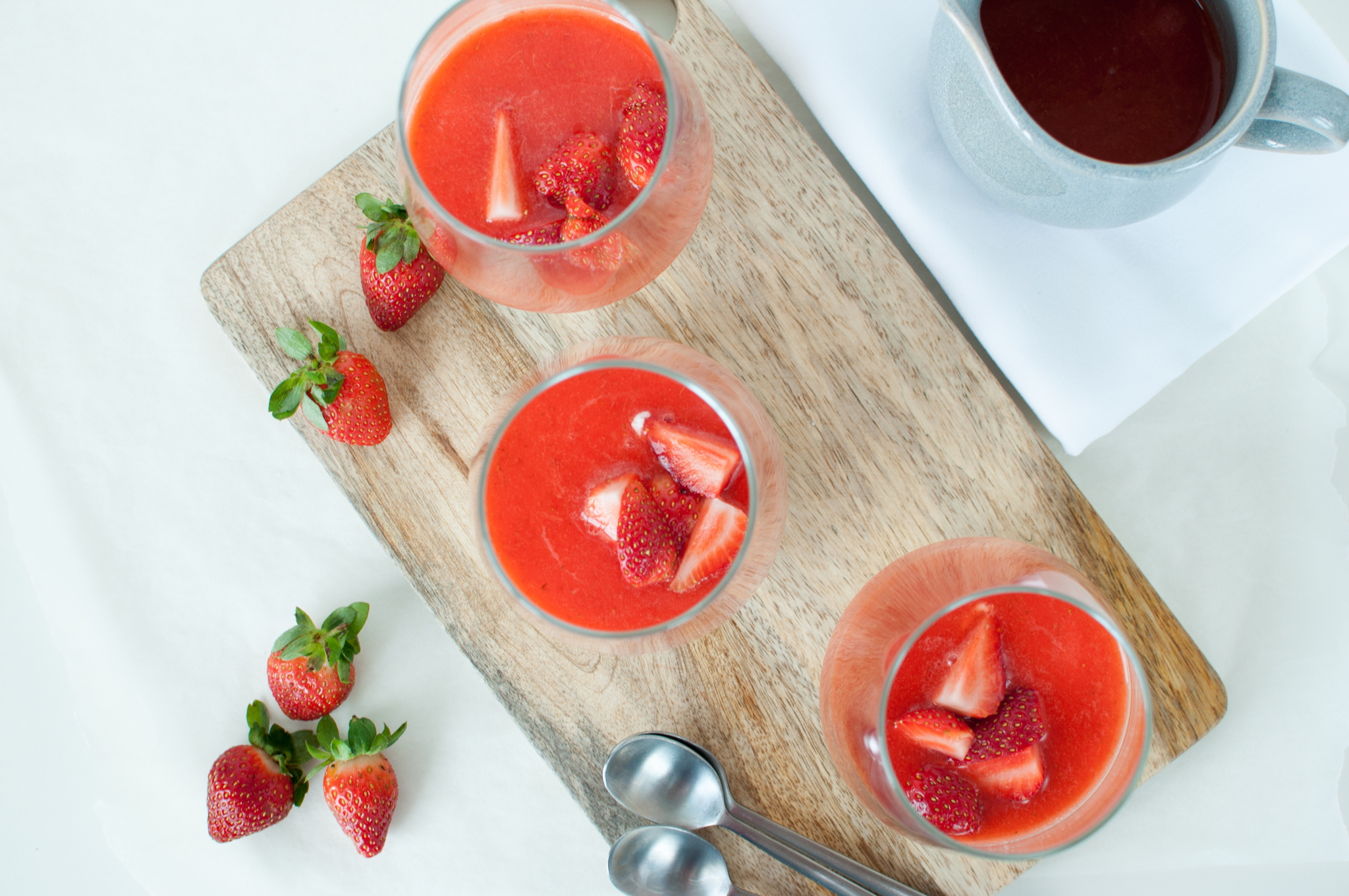 yoghurt-panna cotta med jordbær