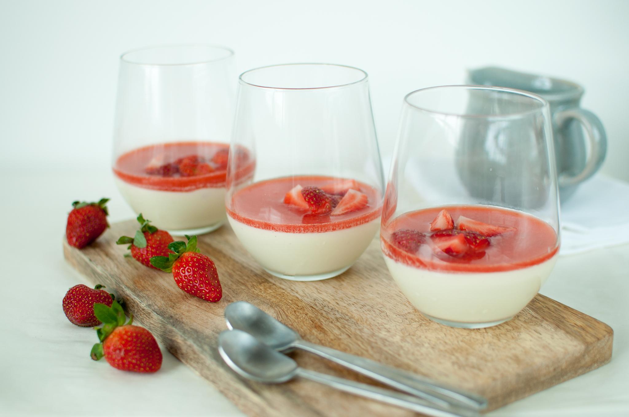 jordbær panna cotta