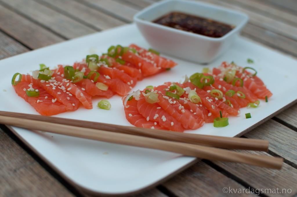 sashimi med spicy saus