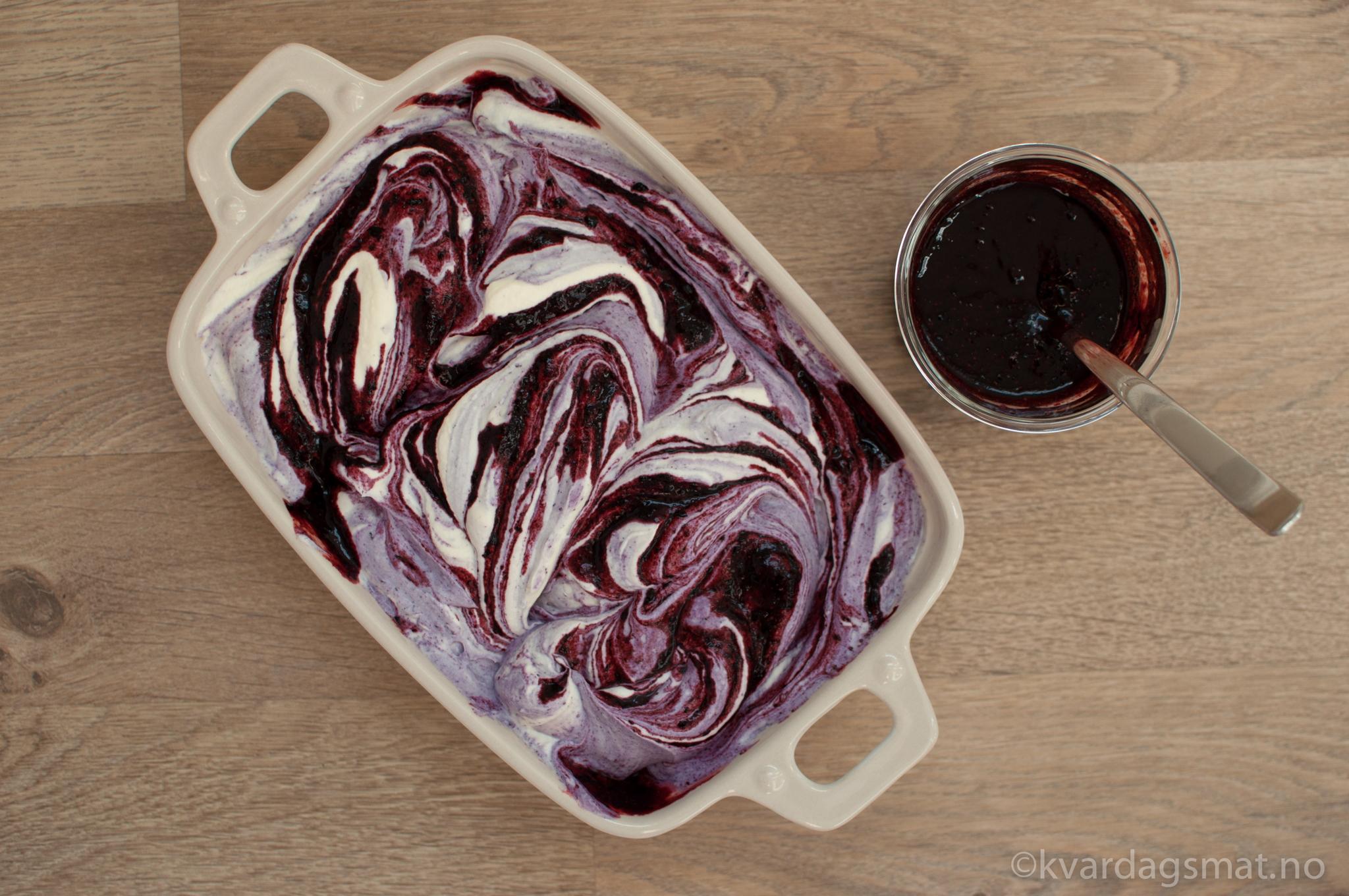 blåbær iskrem