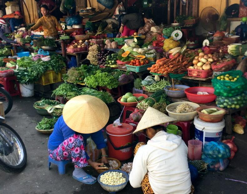 market hoi an