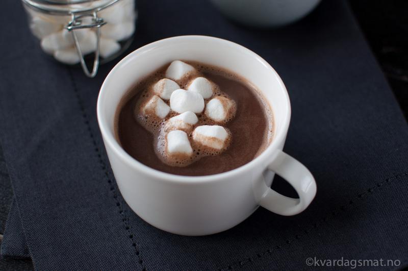 oppskrift hjemmelaget varm sjokolade