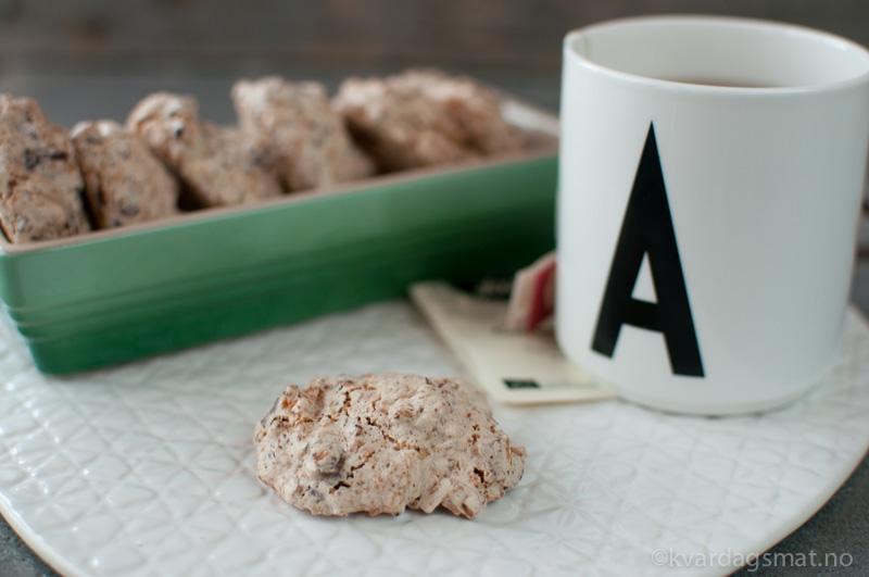 kokosmakroner med sjokolade og mandel