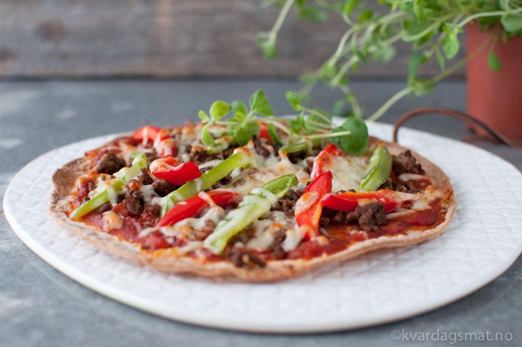 tortillapizza med tacokjøtt