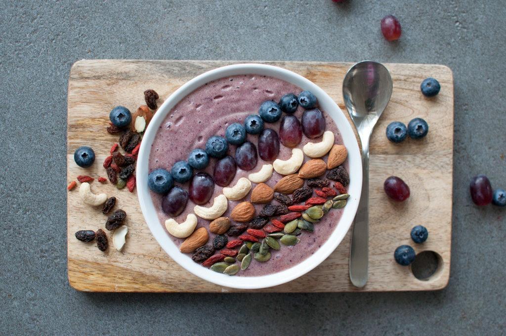 smoothie-bowl med blåbær