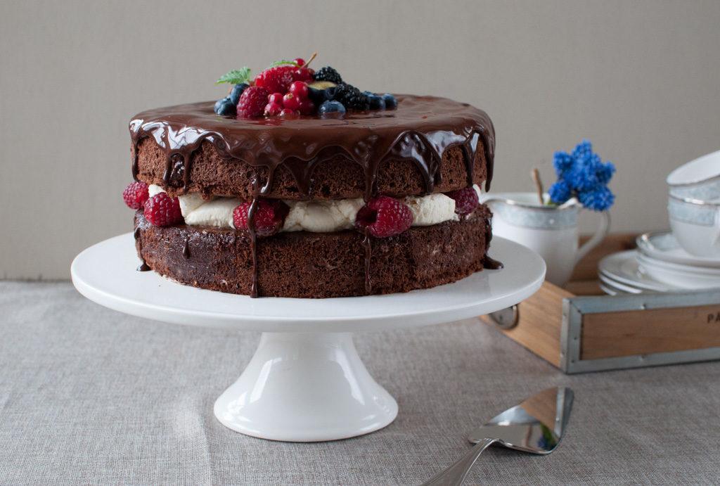 sjokoladekake med mascarponekrem og bringebæroverraskelse