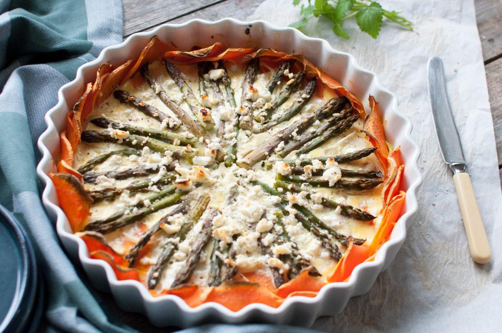 oppskrift søtpotetpai med asparges
