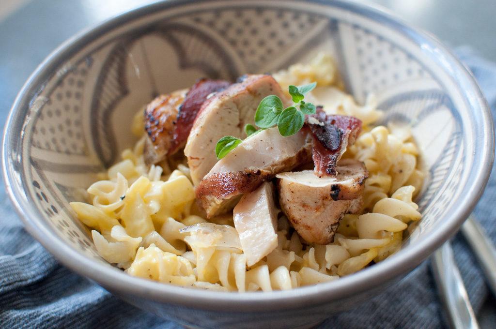 oppskrift baconsurret kylling