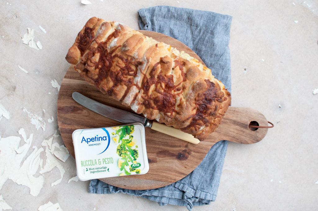 ostebrød ruccola og pesto
