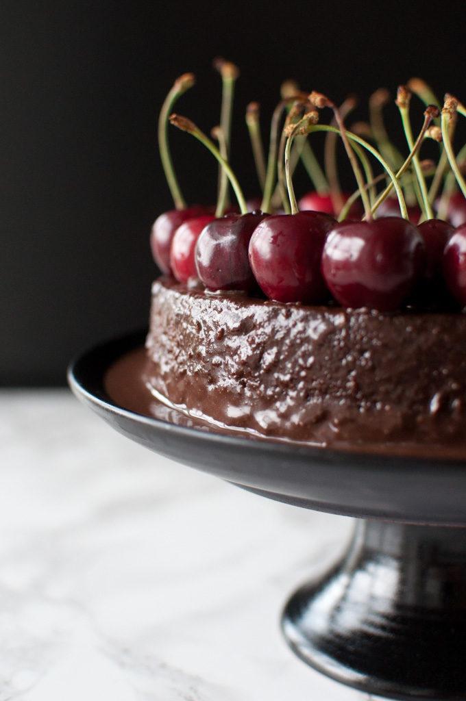 sjokoadekake med kirsebær