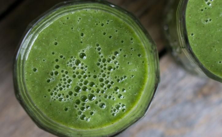 grønn smoothie med chiafrø