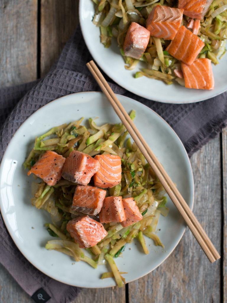 steikt ørret med brokkoliwok