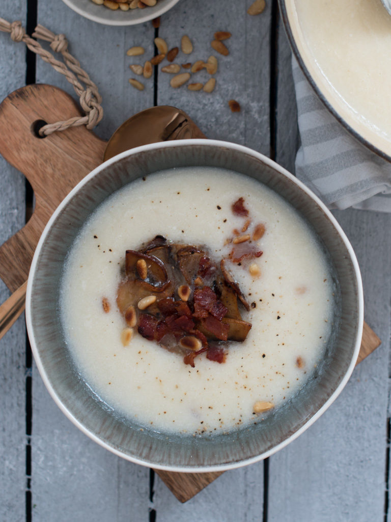sellerirotsuppe med sjampinjong og bacon
