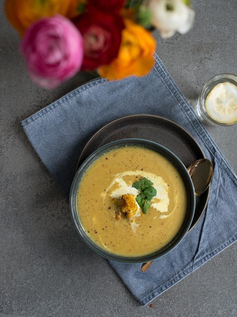 gylden blomkålsuppe