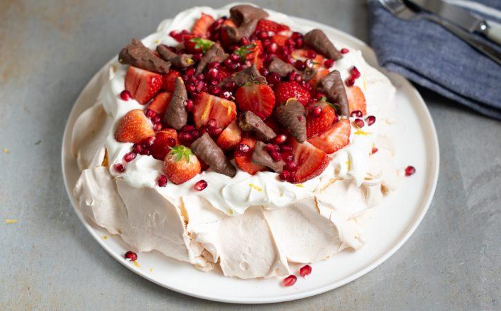 pavlova med jordbær og smash