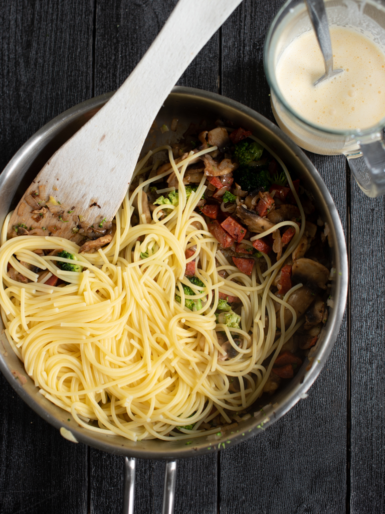 krema spagetti med sjampinjong og chorizo