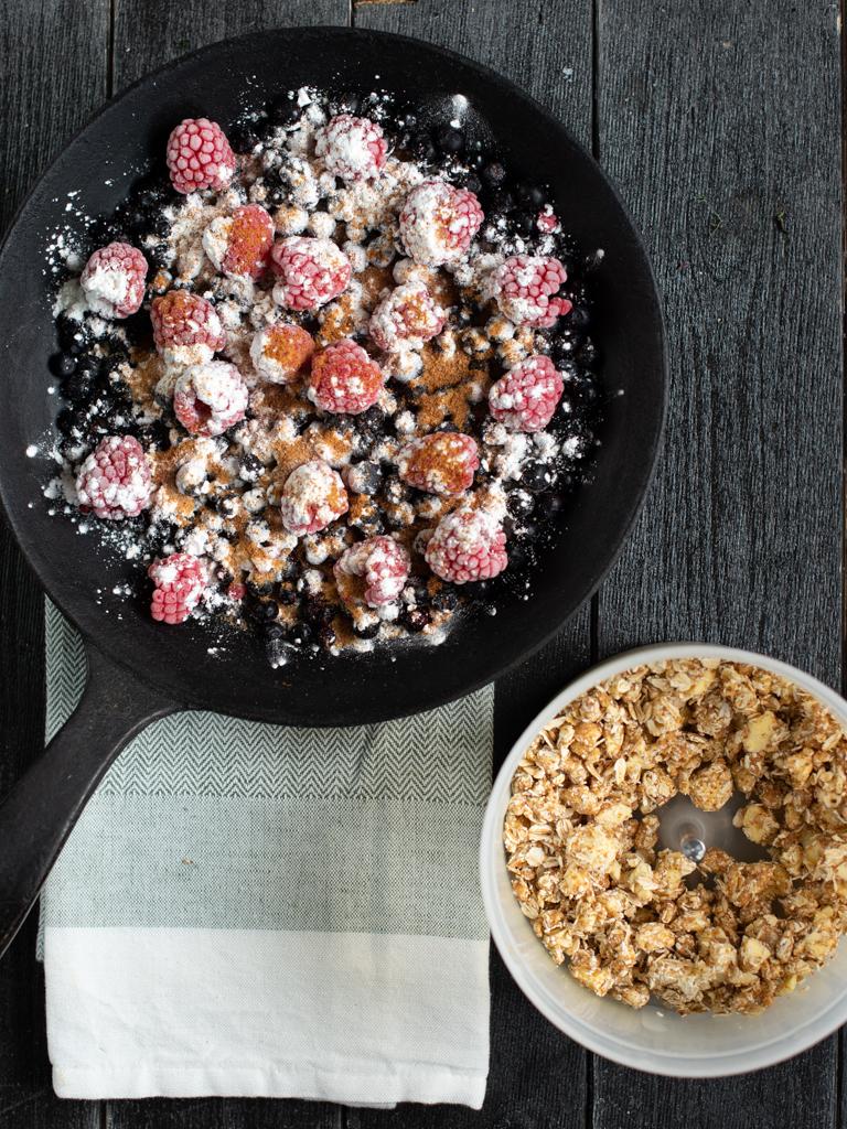 smuldrepai med blåbær og bringebær
