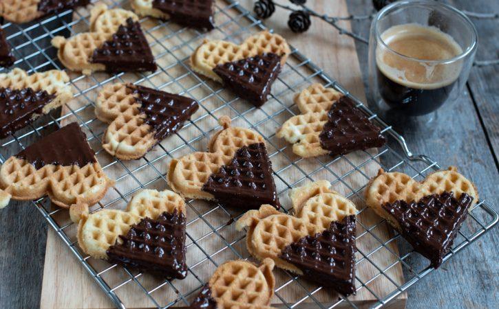 tørre vaflar med sjokoladetrekk