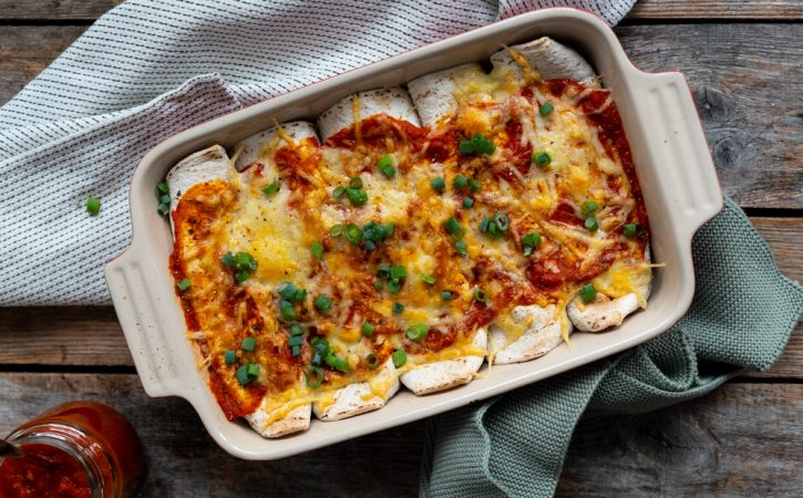 enchiladas med kjøttdeig og bønner og spinat