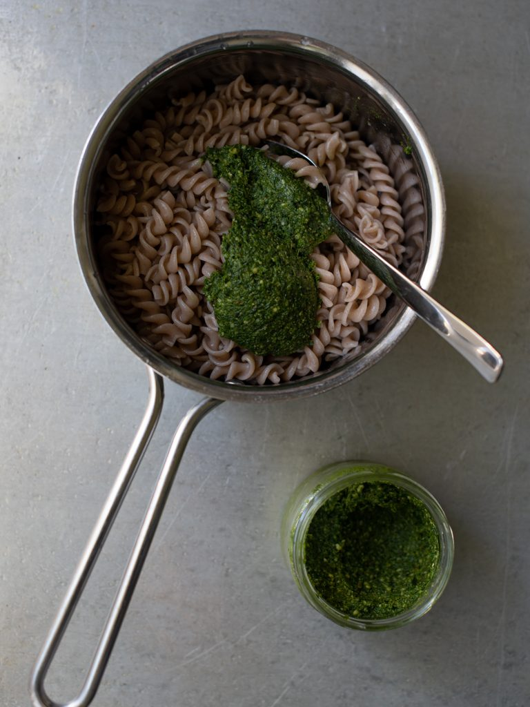pastasalat med ramsløkpesto