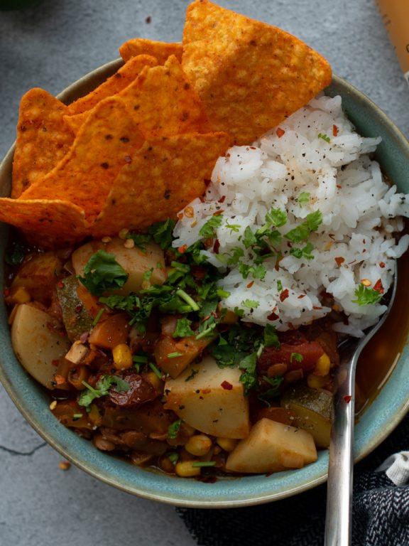 Chili sin carne med squash og potet