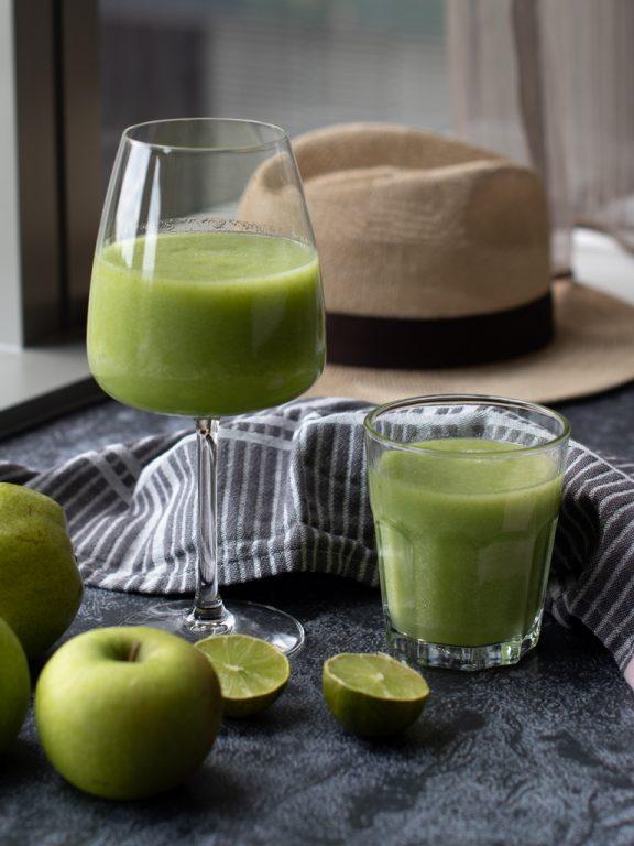 Grøn juice med eple og ingefær